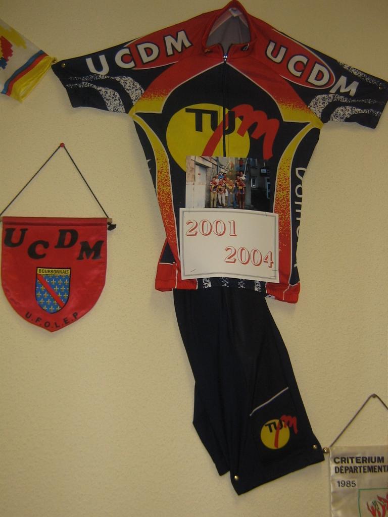 maillot-2001-2004.jpg